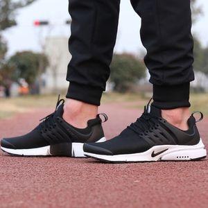 Men's Nike Air Presto Essential (Size 9)